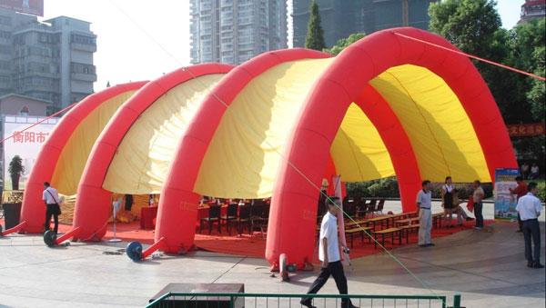衡阳专业制作氢气球空飘充气拱门彩虹拱门帐篷气模